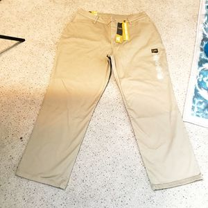 NWT Lee Straight Leg Relaxed Fit  Jeans